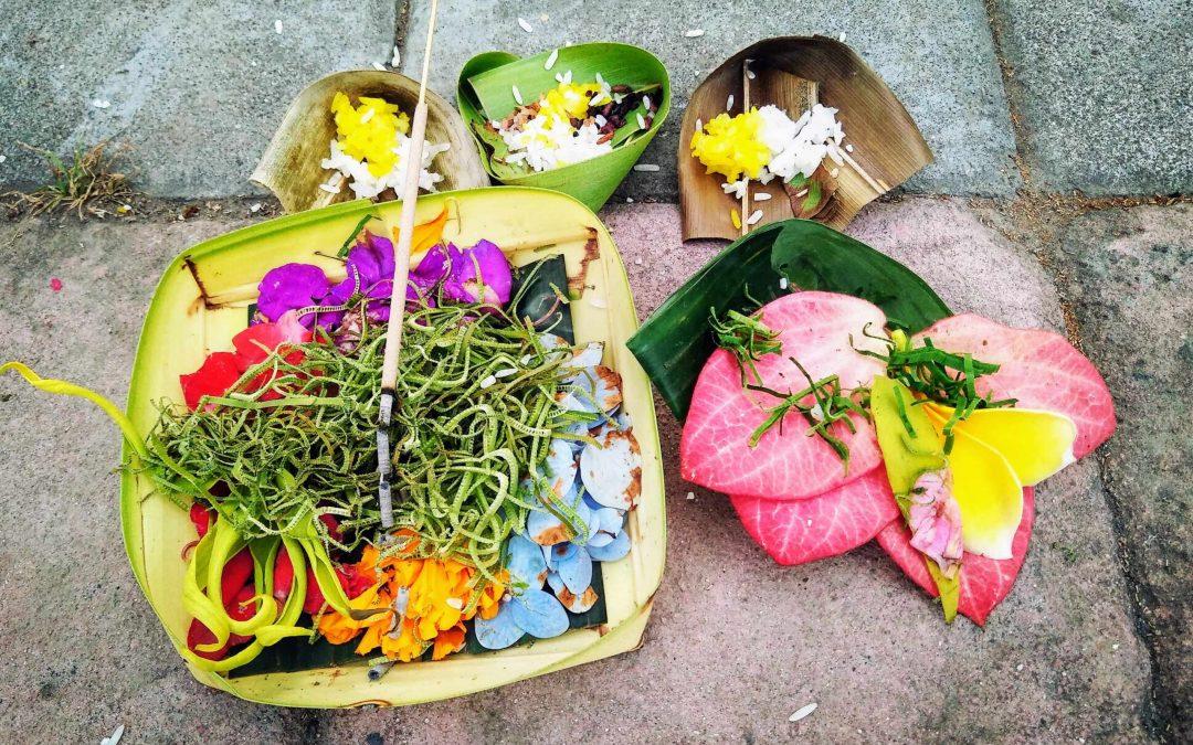 Balinese Offerings – Nghi Thức Thờ Cúng Của Người Bali